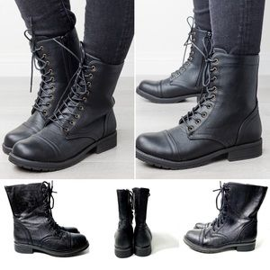 American Eagle Outfitter Lace up combat boot